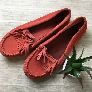 Minnetonka red women's moccasin shoes, 7